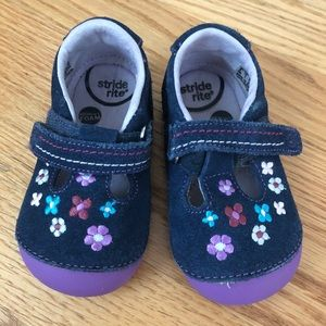 Stride rite toddler shoes 6M